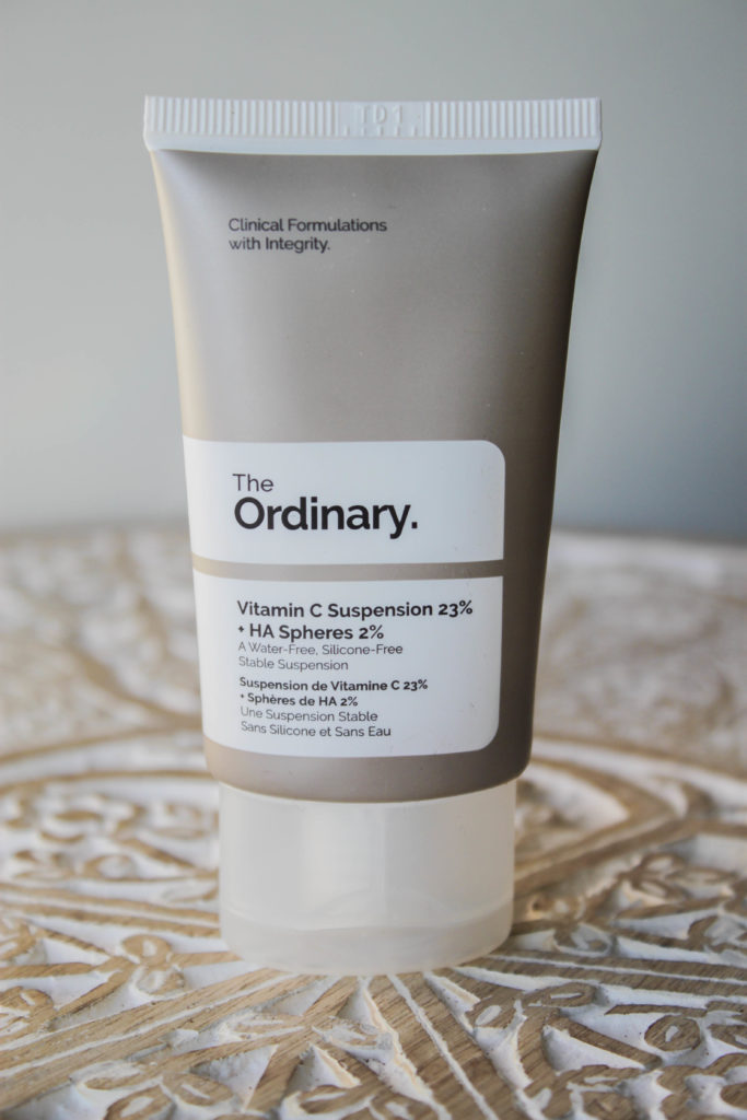 Le packaging du sérum à la vitamine C de The ordinary